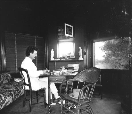 Mark Twain in His Signature White Suit | Ken Burns: Mark Twain