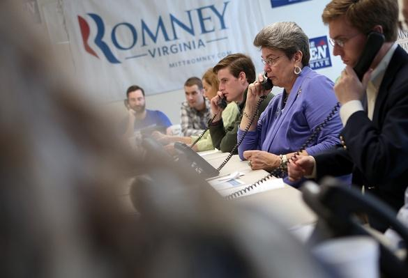 Romney Volunteers Make Phone Calls in Virginia | U.S. Presidential Elections: 2012