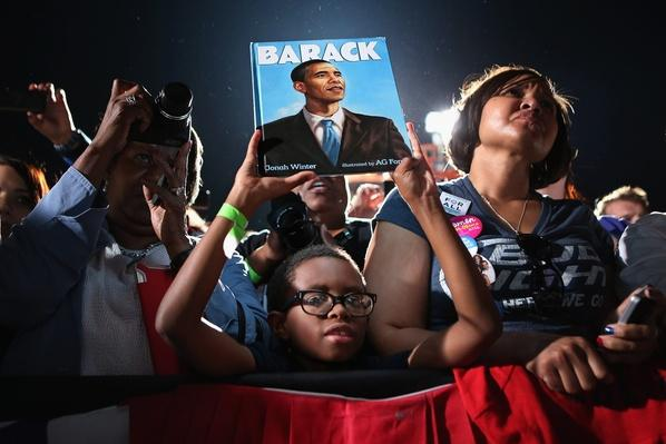 Obama Campaigns In Richmond And Cleveland On Second Day Of Campaign Tour | U.S. Presidential Elections 2012