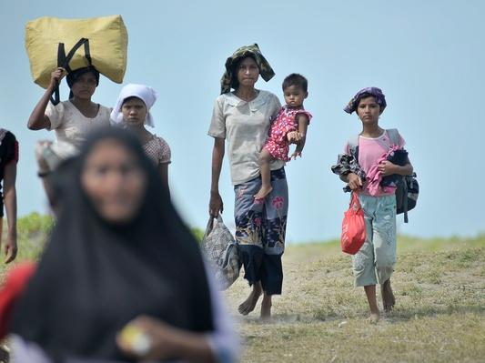 80 People Killed, Tens of Thousands Displaced Following Ethnic Violence | Conflicts: Burma