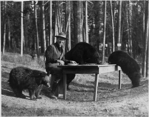 Horace Albright and Bears, Yellowstone National Park, 1922 | Ken Burns: The National Parks