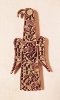 Eagle-shaped brooch