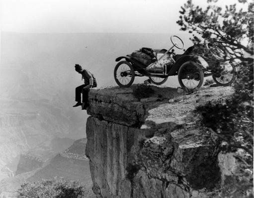 Tourist at the Edge of the Grand Canyon, 1914 | Ken Burns: The National Parks