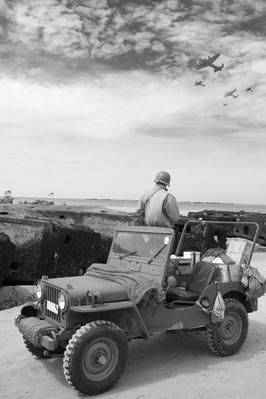 Jeep and planes | World War II