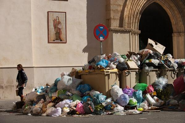 Seville Waste Disposal Strike | Human Impact on the Physical Environment | Geography