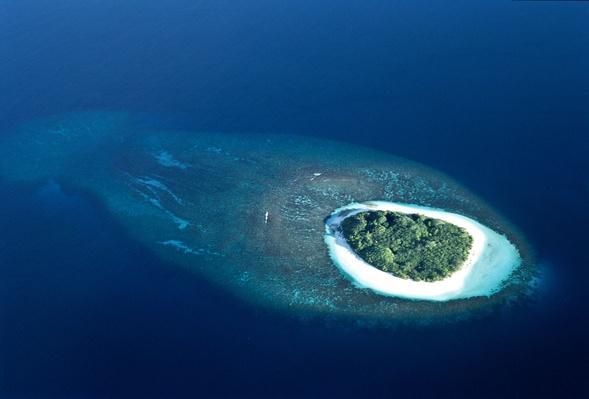 Uninhabited Tropical Island | Earth's Surface