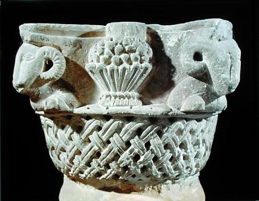 Capital in the form of a basket with ram's heads and grapes, from the Monastery of St. Jeremiah, Sakkara