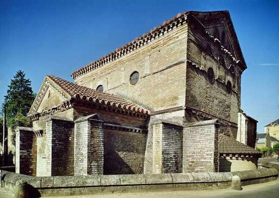 View of the West apse and the apsidiole