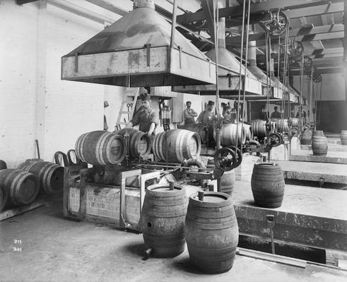 Interior View of Pawling & Harnischfeger | Ken Burns: Prohibition