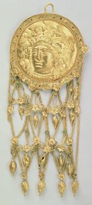 Pendant with the head of Athena Parthenos