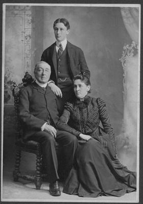 Franklin Delano Roosevelt with His Parents, 1899 | Ken Burns: The Roosevelts