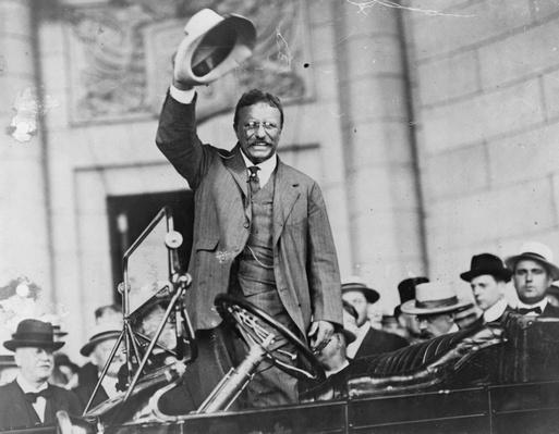 Theodore Roosevelt Waves To The Crowd | Ken Burns: The Roosevelts
