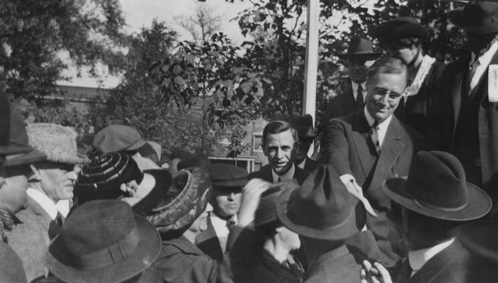 Franklin Roosevelt Campaigns with His Wife, Eleanor | Ken Burns: The Roosevelts