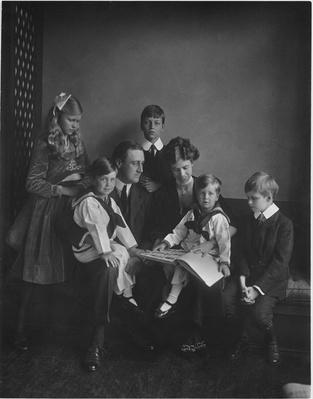 FDR, Eleanor, and Their Children, 1919 | Ken Burns: The Roosevelts