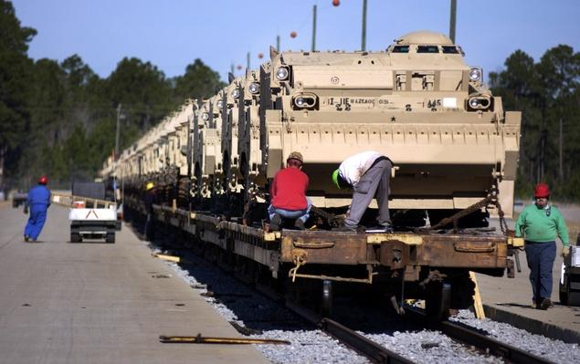 U.S. Army Deploys Armor Vehicles | Evolution of the Railroad (Engine)