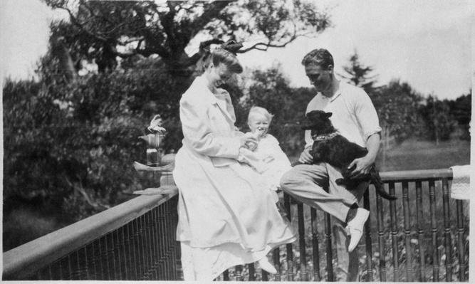 Franklin and Eleanor Roosevelt with Baby Anna | Ken Burns: The Roosevelts