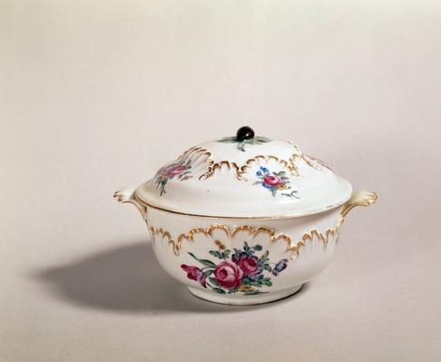 Soup bowl, made in Tournai, 1775-80
