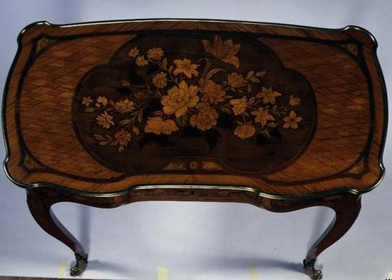 Lady's writing table with sliding top, stamped with the Versailles brand-mark, attr. to J.F.Oeben