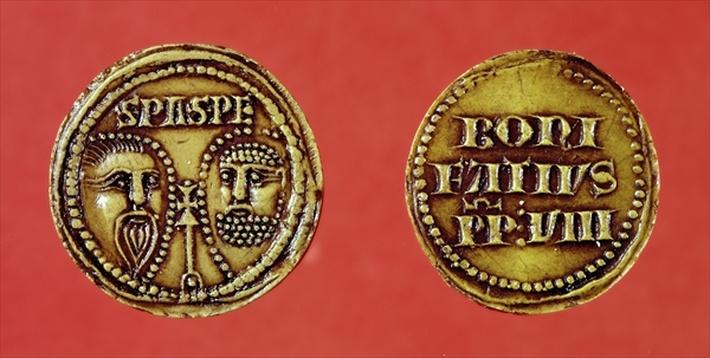 Seal with the heads of St. Paul and St. Peter, from a bull of Pope Boniface VIII, recto and verso, 1295