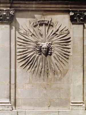Relief of the sun from the facade