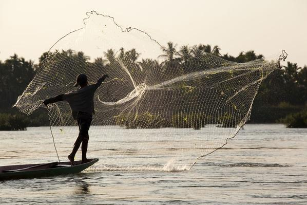 Fishing With a Cast Net or Throw Net in Si Phan Don, Laos | Earth's Resources