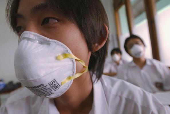Indonesian Pupils Take Precautions Against SARS | Global Infectious Diseases