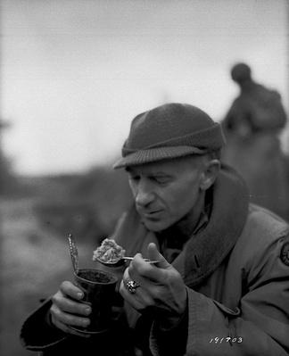 Ernie Pyle Grabs a Bite | Ken Burns: The War