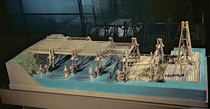 Model of a bridge over the Rhine built by Julius Caesar