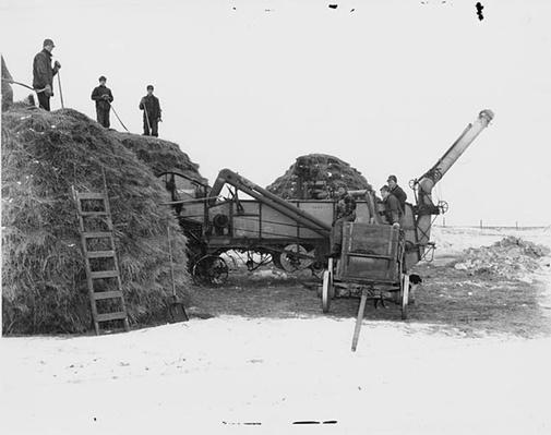 Luverne, Minnesota : Pitching Hay | Ken Burns: The War