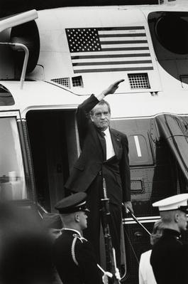 U.S. President Richard Nixon giving his final wave to the White House | Watergate