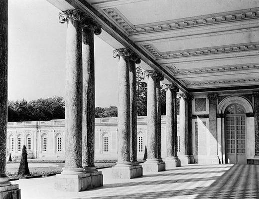 View of the peristyle and the left wing of the Grand Trianon, 1687-88