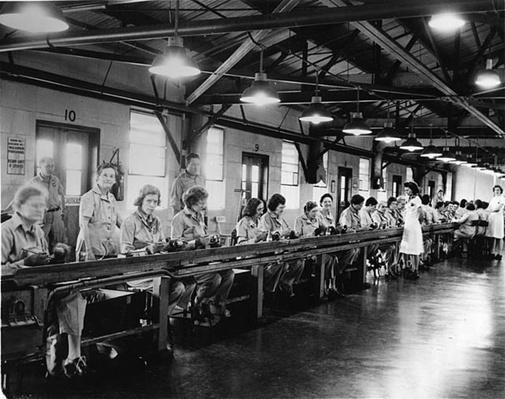 Waterbury: Women at Work | Ken Burns: The War