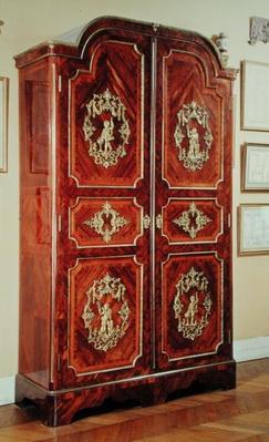 Regency style wardrobe, 1725-30