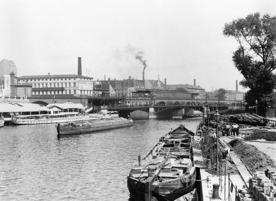 View of the River Spree, Berlin, c.1910