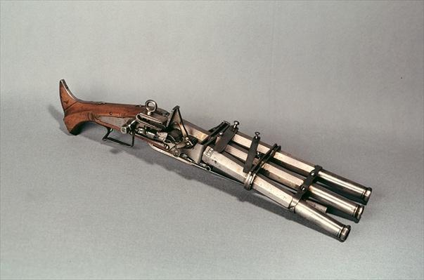 Triple-barrelled pistol