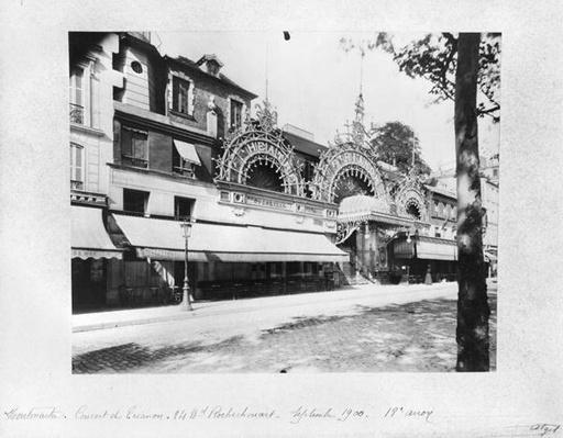 The Concert de Trianon in Paris, 84 boulevard Rochechouart, September 1900