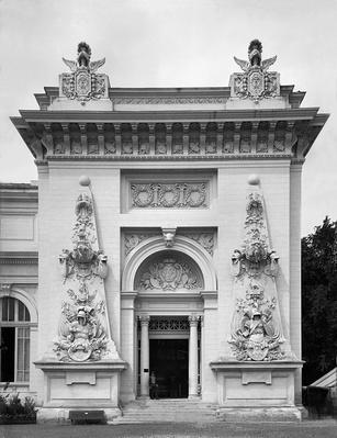 Gate of the military exhibition at the Universal Exhibition, Paris, 1889