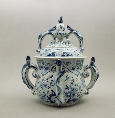 Lambeth Delftware posset pot, blue and white, c.1695