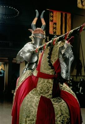 Suit of armour and matching horse armour
