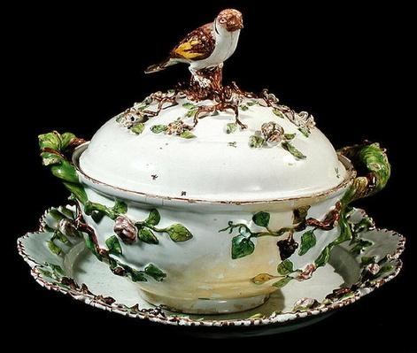 Sceaux faience Soup tureen with a bird and branch details
