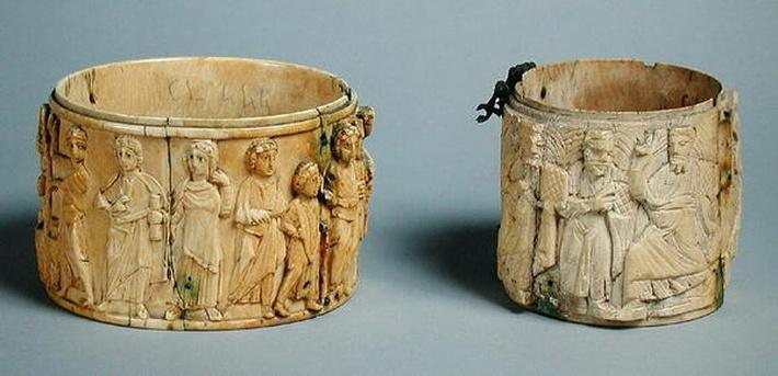 Two pyx with reliefs depicting the women of Samaria at the well and Christ with the apostles, 6th-7th century