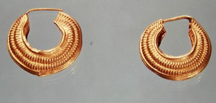 Pair of earrings, from Saint-Jean-de-Tourbe, Tene I, c.475-0 BC