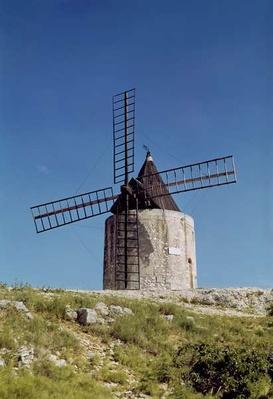 View of the Moulin de Daudet