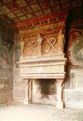 View of the fireplace in the Salle des Gardes