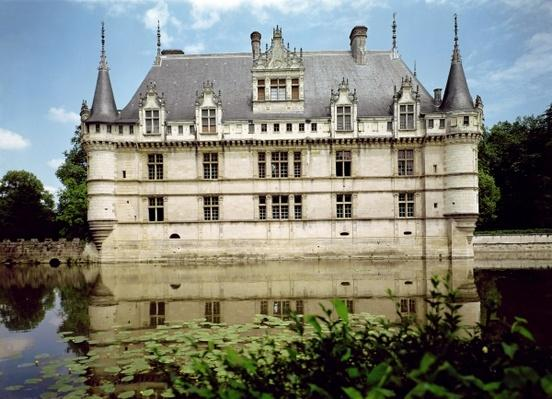 View of the Chateau d'Azay-le-Rideau, built for Gilles Berthelot, 1518-27