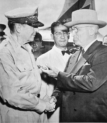 President Harry S. Truman (1884-1972) meeting General Douglas MacArthur (1880-1964) on Wake Island during the Korean War, October 1950 (b/w photo) by American Photographer, (20th century)