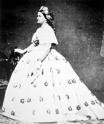 Mary Lincoln (1818-82) 1861 (b/w photo) by Brady, Mathew (1823-96)