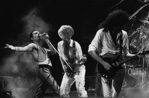 Queen Live | 20th Century Music Icons