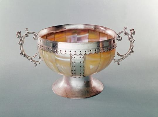 Silver mounted mother-of-pearl wassail bowl, 1650-1700