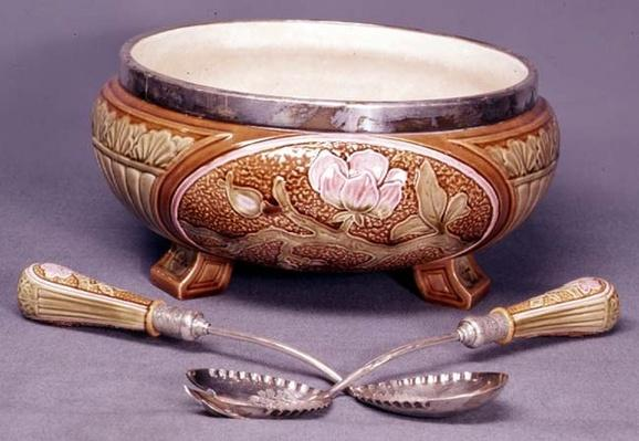 Wedgwood Maiolica salad bowl, spoon and fork, c.1880